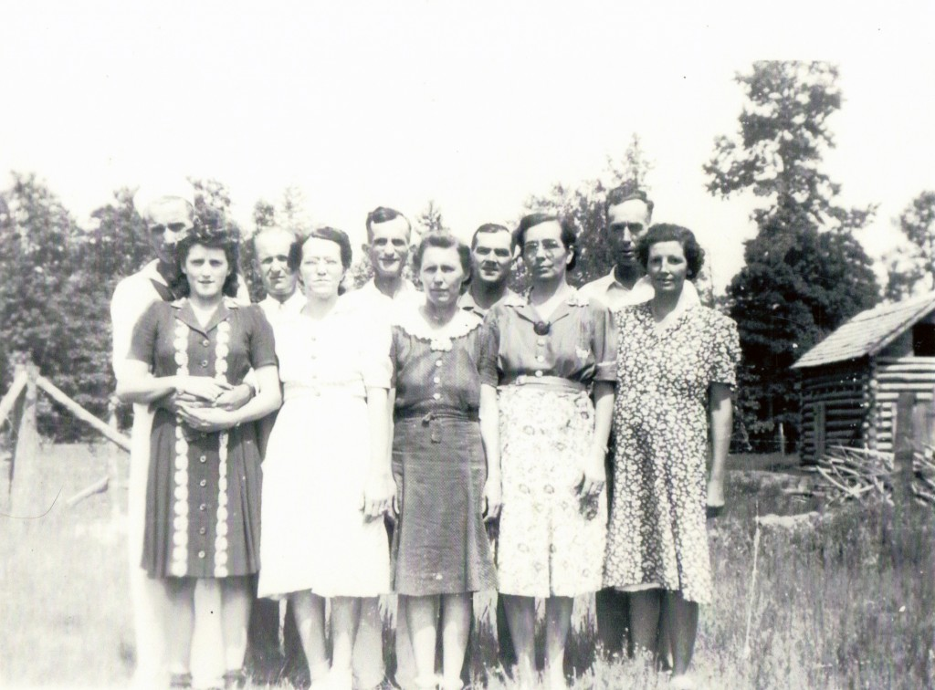 L-R Walter & Lydia Woodfield, Euel & Mrytie Clement Walker, Joe & Jessie Mae Clement, Luther & Cyrena Clement, Pick & Gertrude Clement-2